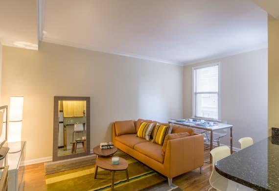 livingroom-bedroom-features