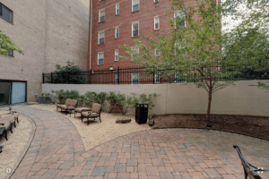 360 Virtual Tour of the Park Monroe Courtyard