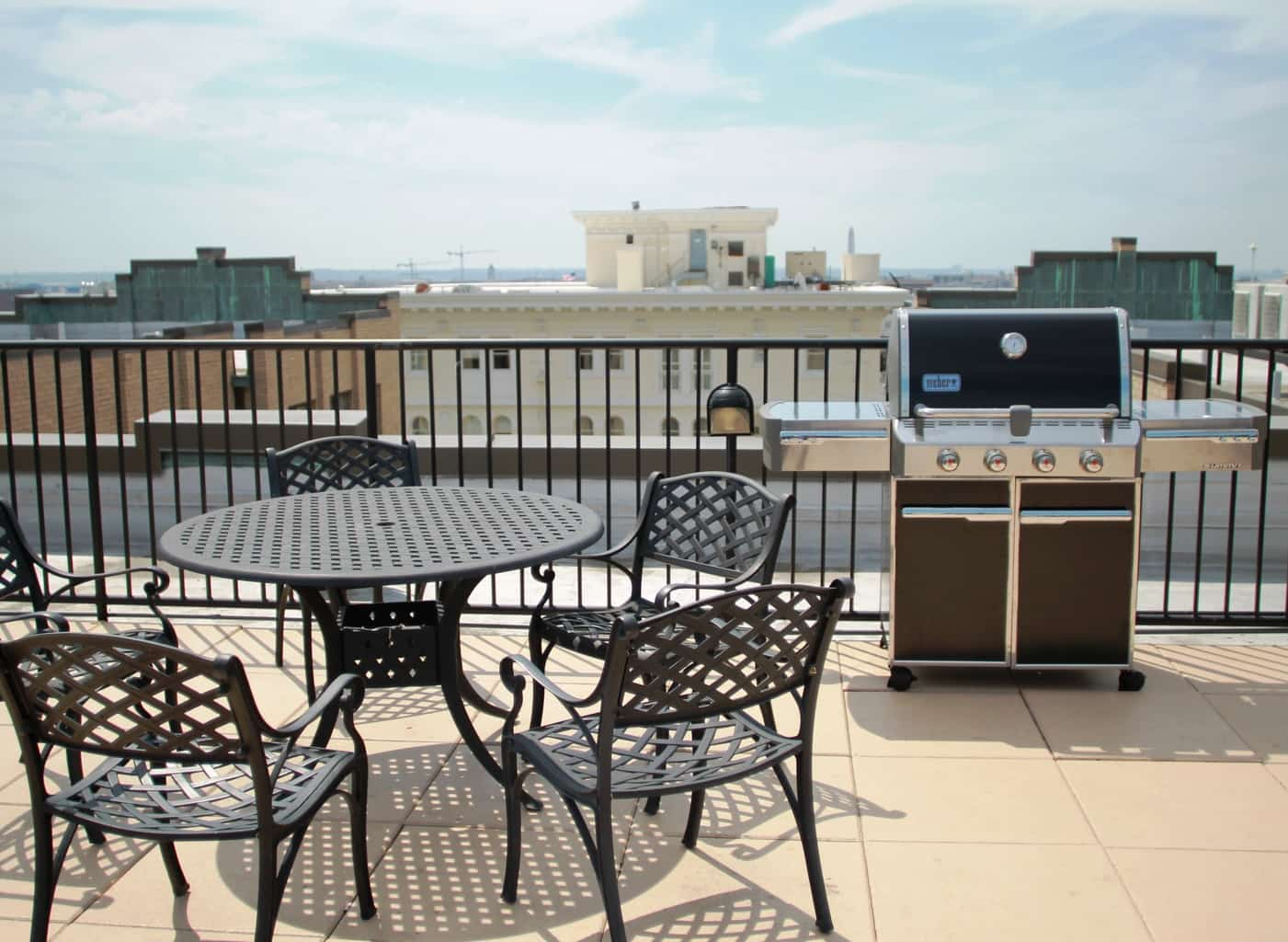 Roof Top Patio and Grill On The Delano Building