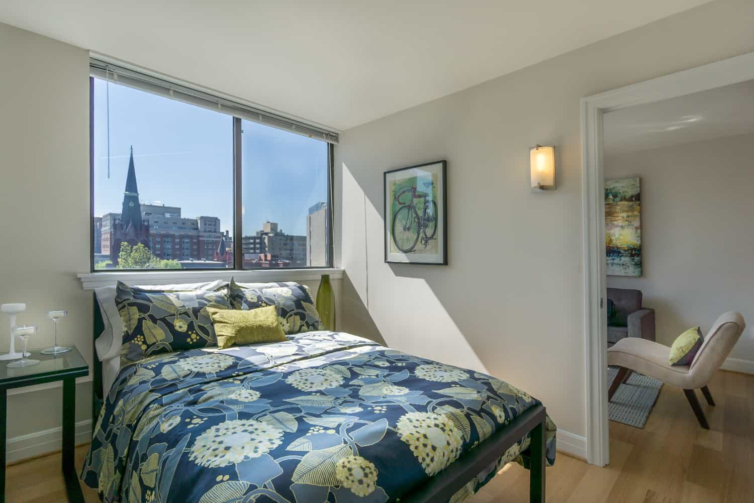The Sutton Plaza Apartments Bedroom
