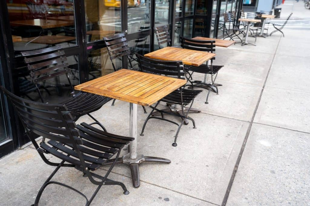 Outdoor Seating at 17th Stree Restaurants